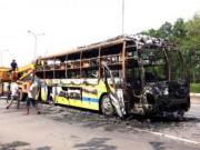 Tin tức trong ngày - Xe giường nằm phát nổ, bốc cháy, 30 hành khách kêu gào