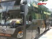 Video An ninh - Dân buôn thực phẩm bẩn kích động hành khách chống CA
