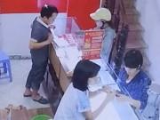 """An ninh Xã hội - Hà Nội: Nghi án hai """"nữ quái"""" đóng kịch để trộm vàng"""