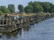 """Thế giới - NATO xây cầu bộ binh dài nhất thế giới """"dọa"""" Nga"""
