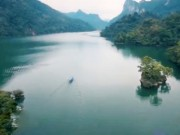 """Du lịch - Những lý do khiến bạn muốn """"trốn"""" ngay đến hồ Ba Bể"""