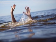 Tin tức trong ngày - Học sinh lớp 4 tử vong trên sông khi dùng chậu tập bơi