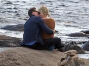 Ca nhạc - MTV - Fan sôi sục vì Taylor Swift hôn say đắm Tom Hiddleston