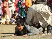 Phim - Thành Long tuổi 62 vẫn đóng cảnh hành động nguy hiểm