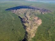 """Thế giới - Bí mật trong """"cổng địa ngục"""" ở Siberia"""