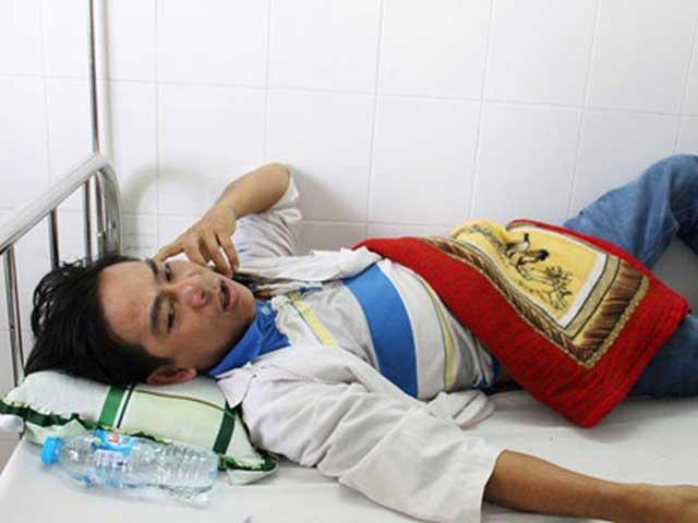 Người nhà tố bảo vệ bệnh viện phụ sản Hà Nội đánh người dã man - 2