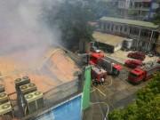 Tin tức trong ngày - Hà Nội: Cháy lớn tại xưởng gỗ trên đường Trường Chinh