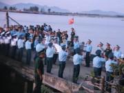 Tin tức trong ngày - Đón thi thể Thượng tá Trần Quang Khải về với đất liền