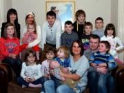 Thế giới - Ông bố của gia đình đông con gấp rưỡi đội bóng ở Anh