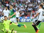 """Bóng đá - Thủ môn Bắc Ailen """"bay lượn"""", Neuer phải nể phục"""