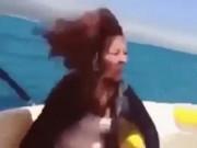Phi thường - kỳ quặc - Video: Cô gái biến mất bí ẩn khi xuồng cao tốc rồ ga