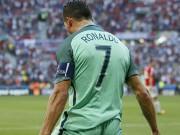 Bóng đá - Ronaldo: Siêu sao rực sáng ở trận đấu sống còn