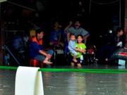 Tin tức trong ngày - TPHCM: Nhiều nhà bỗng thành hầm chìm trong triều cường