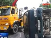 Video An ninh - Tránh gây tai nạn, xe tải chở bia lật nhào