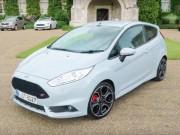 Tin tức ô tô - Video màn trình diễn ấn tượng của Ford Fiesta ST200