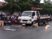 Tin tức trong ngày - TP.HCM: Hai cô gái chết thảm dưới bánh xe tải