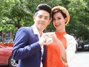 Ca nhạc - MTV - Đông Nhi như cô dâu bên bạn trai chấm thi The Voice Kids