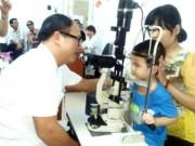 Sức khỏe đời sống - Hà Nội: Bệnh đau mắt đỏ xuất hiện, tốc độ lây lan cực nhanh