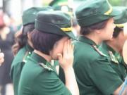 Tin tức trong ngày - Hàng ngàn người đứng dưới mưa tiễn đưa 9 liệt sĩ CASA 212
