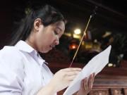 Giáo dục - du học - Sĩ tử về Văn Miếu cầu may trước kỳ thi THPT quốc gia