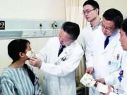 Phi thường - kỳ quặc - TQ: Tạo mặt mới cho nữ bệnh nhân trên...ngực