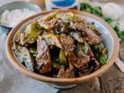 Ẩm thực - Đổi bữa ngày hè với thịt bò xào mướp đắng