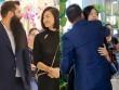 """Đạo diễn """"Kong"""" ôm hôn Ngô Thanh Vân trước trăm người"""