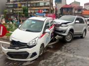 """Tin tức trong ngày - """"Xe điên"""" làm loạn trên phố Hà Nội, nhiều người trọng thương"""