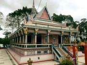 Ngôi chùa được ốp chén, dĩa độc đáo có một không hai ở Sóc Trăng