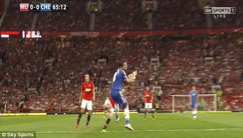 MU bị từ chối penalty - 2