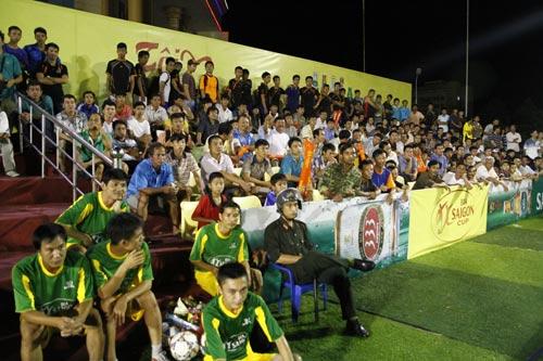 Khán giả Quảng Nam cuồng nhiệt với Cúp Bia Saigon - 3