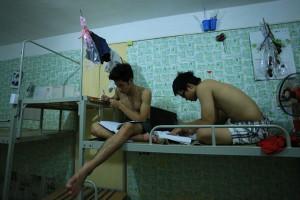 Giáo dục - du học - Ảnh: Sĩ tử chong đèn ôn thi trước giờ G