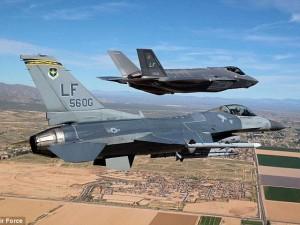 """Thế giới - Siêu chiến cơ F-35 bị """"bà già"""" F-16 đánh gục"""