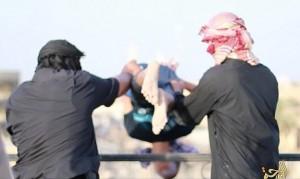 IS xử tử người đồng tính bằng cách ném từ tầng cao