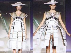 Váy - Đầm - Loạt váy áo biến ảo kỳ lạ khiến người xem ngỡ ngàng