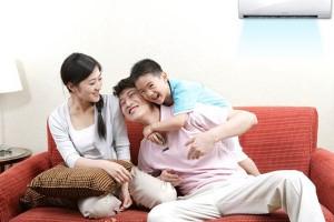 Bạn trẻ - Cuộc sống - Những câu chuyện bi hài về vợ chồng và cái điều hòa