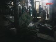 Video An ninh - TP.HCM: Sập tường bao do cuồng phong, 2 người bị thương