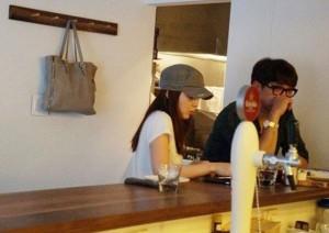 Ngôi sao điện ảnh - Lộ ảnh Kim Tae Hee hẹn hò Bi Rain ở khu nhà giàu