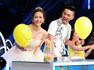 Ca nhạc - MTV - Minh Hằng dùng kẹo dỗ ngọt thí sinh nhí