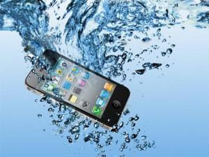 Thủ thuật - Tiện ích - Làm gì khi điện thoại bị vô nước?