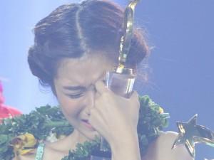 Phim - Hoàng Yến Chibi òa khóc nhận giải 100 triệu đồng