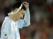"""Ngôi sao bóng đá - Messi được đưa lên """"cân"""" với Maradona"""