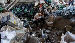 Tin tức trong ngày - Bên trong bãi rác thải điện tử lớn nhất thế giới