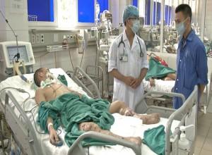 Tin tức Việt Nam - Thêm 2 người ăn tiết canh, suy đa phủ tạng nguy kịch