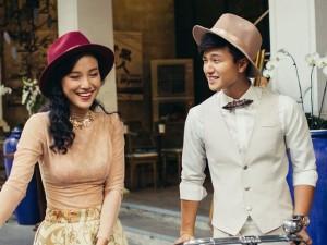 Huỳnh Anh tình tứ bên bạn gái Á hậu dạo phố Sài Gòn