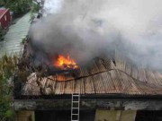 Video An ninh - Clip: Cháy lớn tại kho phụ tùng ô tô ở Hà Nội