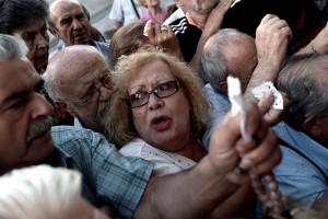 """Tin tức trong ngày - Hy Lạp: Khi túi xách hàng hiệu biến thành """"bùa hộ mệnh"""""""