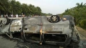 Tin tức trong ngày - Xe cấp cứu tông xe máy, 6 người thương vong