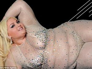 Phì cười phiên bản Britney Spears nặng gần 2 tạ