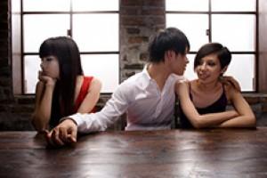 Bạn trẻ - Cuộc sống - Dù có chồng vẫn rất yêu nhân tình